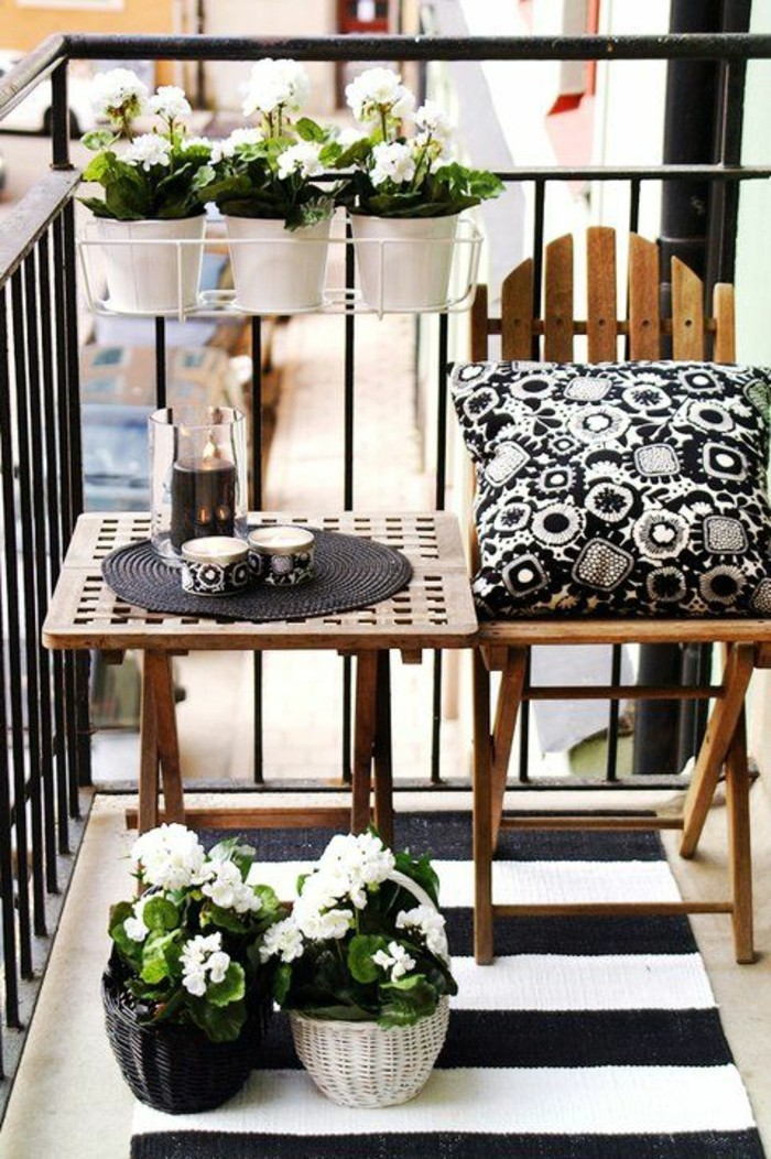 comment fleurir son balcon en 80 photos avec des id es. Black Bedroom Furniture Sets. Home Design Ideas
