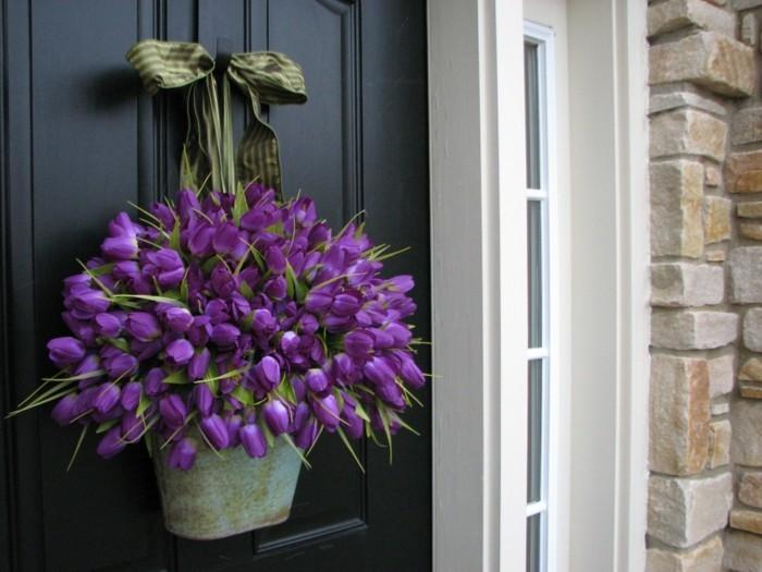 fleurs-jolies-deco-de-table-pour-paques-décoration-de-paques-à-fabriquer-la-porte