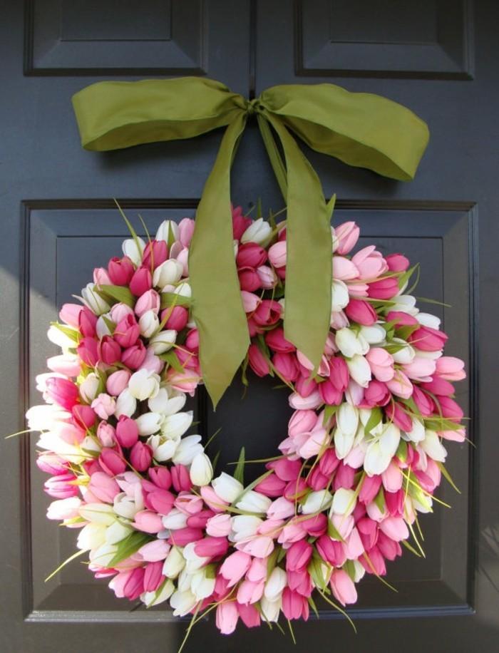 fleurs-pour-la-porte-image-de-pâques-decoration-paques-faire-des-oeufs-de-paques