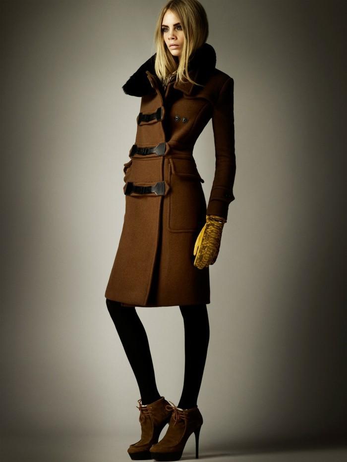 formidable-imperméable-femme-trench-coat-homme-imper-homme-brune