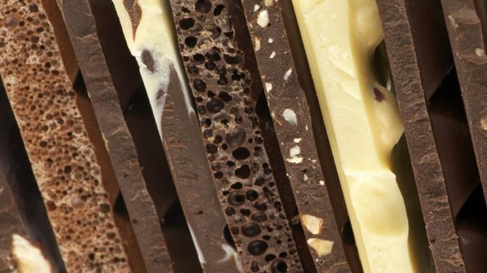 gateau-magique-au-chocolat-gateau-chocolat-blanc-framboise-glaçage-chocolat-blanc