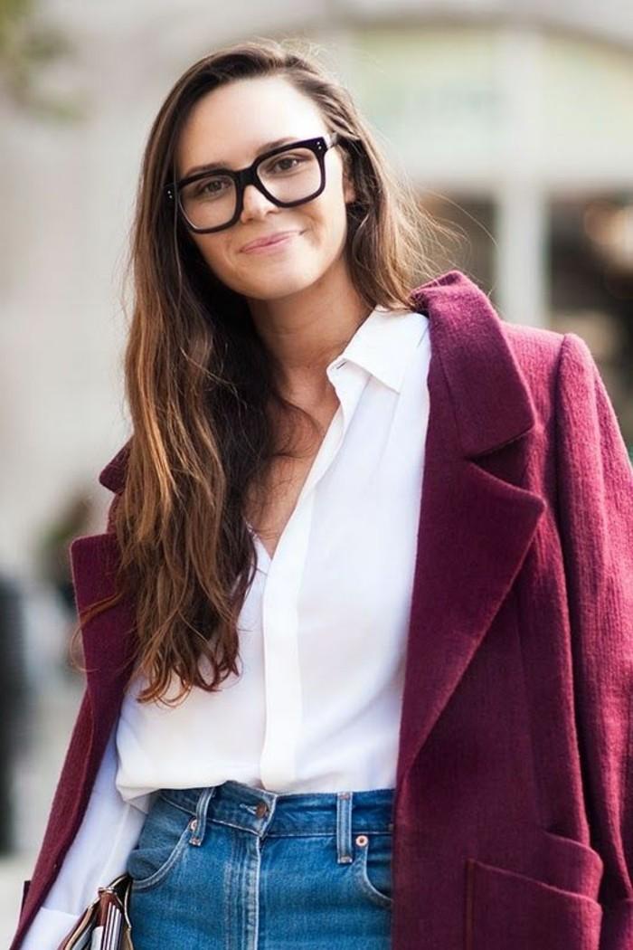 grosse-lunette-de-vue-femme-noir-monture-lunette-femme-chemise-blanche-feme
