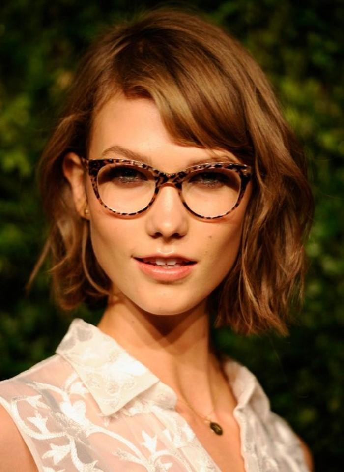 grosse-lunette-de-vue-femme-portes-par-les-stars-monture-lunette-originale