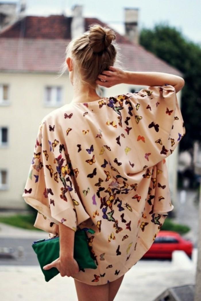 hippie-chic-une-veste-robe-boheme-cool-idée-tenue-de-jour-moderne-en-tendance-papillons
