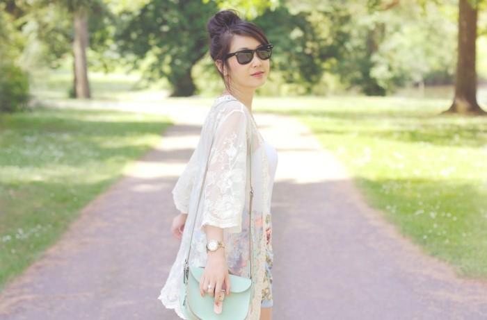 idée-chic-boheme-style-de-kimono-moderne-tenue-tendance-vintage-idée-comment-porter