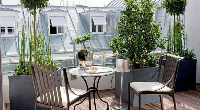 idée-déco-terrasse-balcon-jardin-mobilier-pour-balcon-ambiance-à-paris