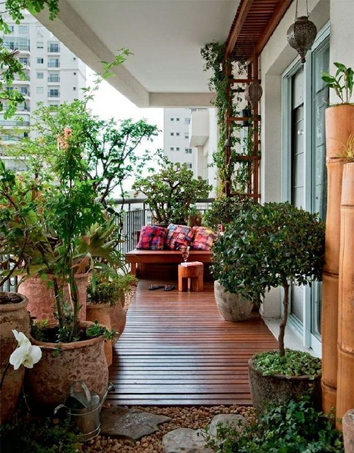 idée-déco-terrasse-balcon-jardin-mobilier-pour-balcon-ambiance-allure-beauté-bois-sol