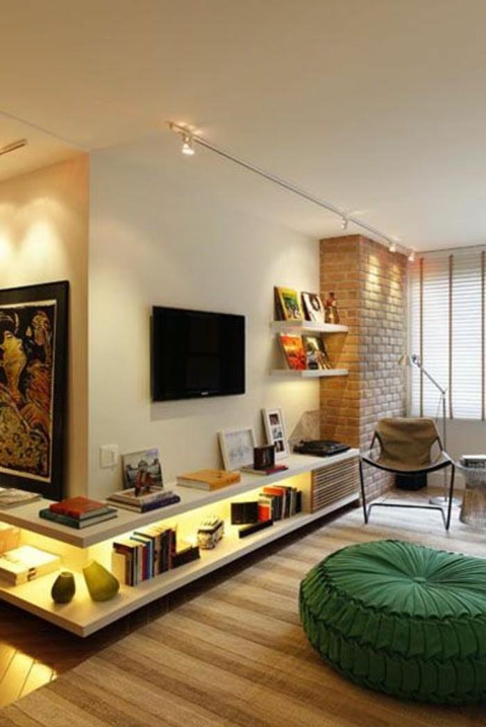 idee-magnifique-étagères-d-angle-en-bois-sol-en-parquet-clair-meubles-chic
