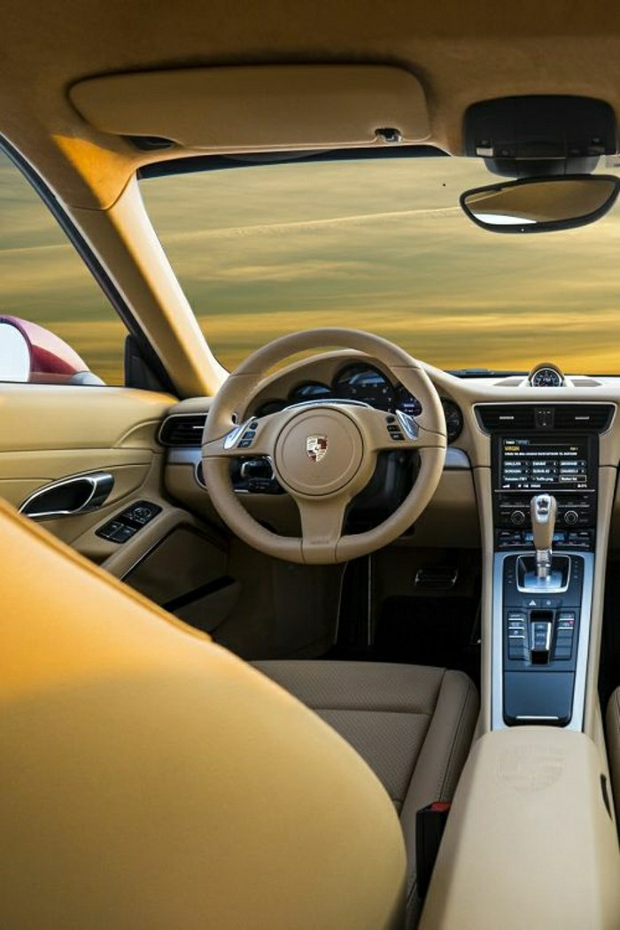 interieur-porsche-911-vehicules-de-collection-voiture-de-collection-porsche