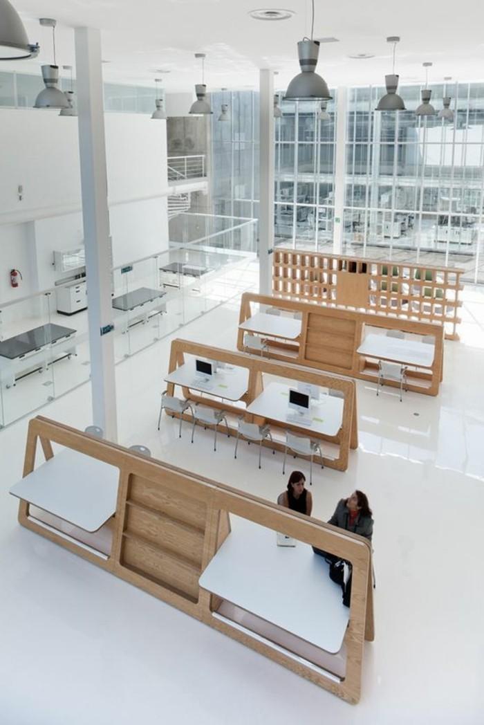 joli-bureau-pliable-ikea-en-bois-clair-sol-en-lino-blanc-nos-idees-pour-votre-bureau
