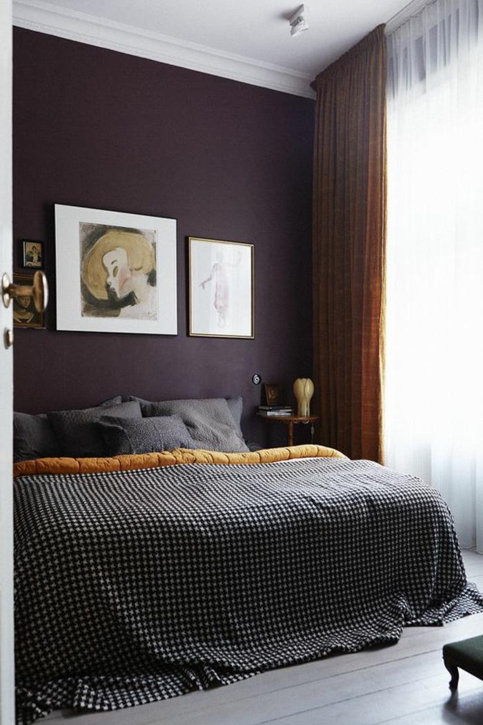 jolie-chambre-a-coucher-nuancier-violet-mur-violet-rideaux-longs ...