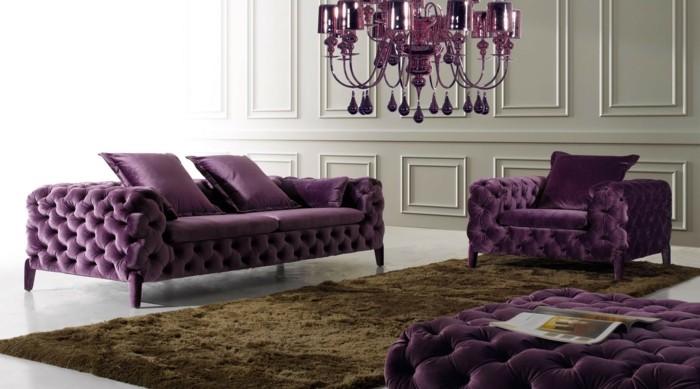 jolie-idee-avec-des-mobiliers-de-luxe-de-couleur-violette-tapis-beige
