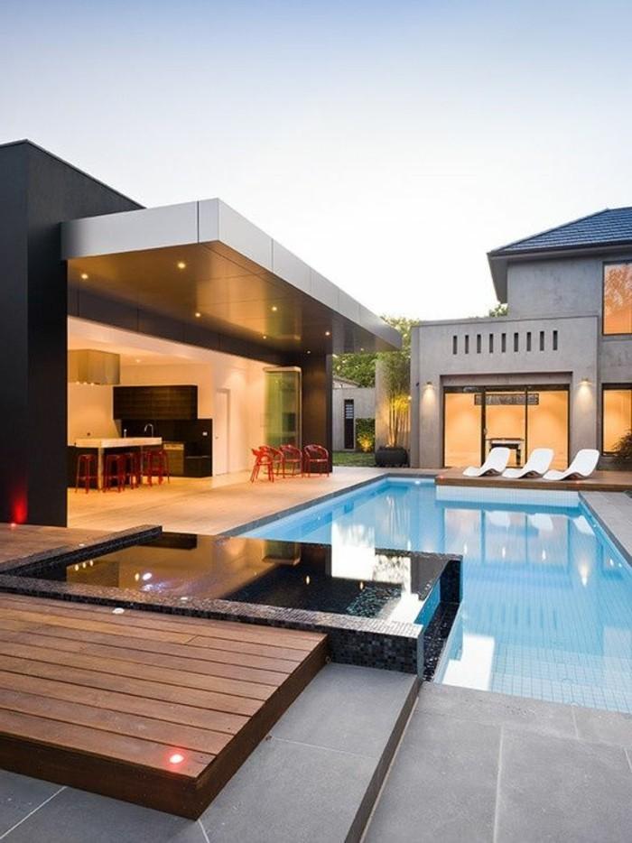 jolie-maison-de-luxe-avec-grande-piscine-de-luxe-devant-la-maison-de-luxe