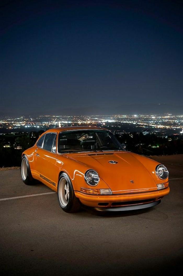 jolie-vieille-porsche-orange-vehicules-de-collection-les-meilleures-voitures-anciennes-de-colection