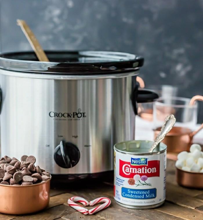 le-chocolat-au-lait-chaud-chocolat-chaud-au-lait-tasse-chocolat-chaud-à-preparer