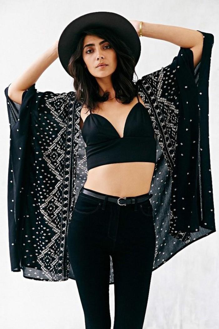 look-rock-femme-vetement-boheme-style-boheme-mode-année-70-tout-en-noir