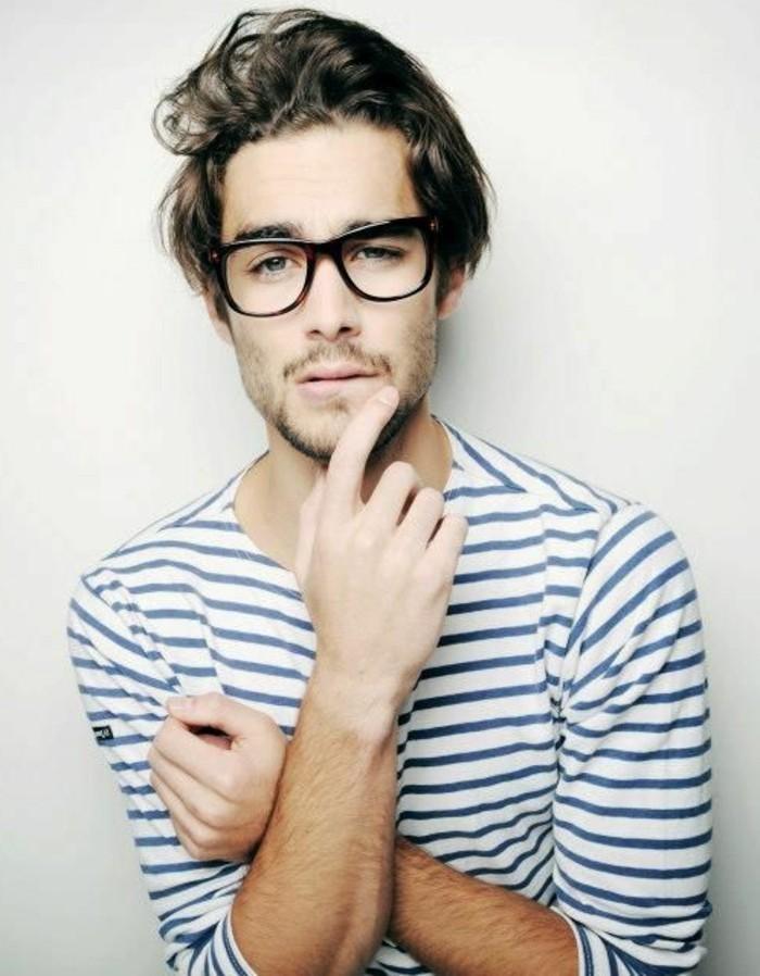 lunettes-de-vue-homme-design-original-homme-blouse-aux-rayures-blancs-bleus