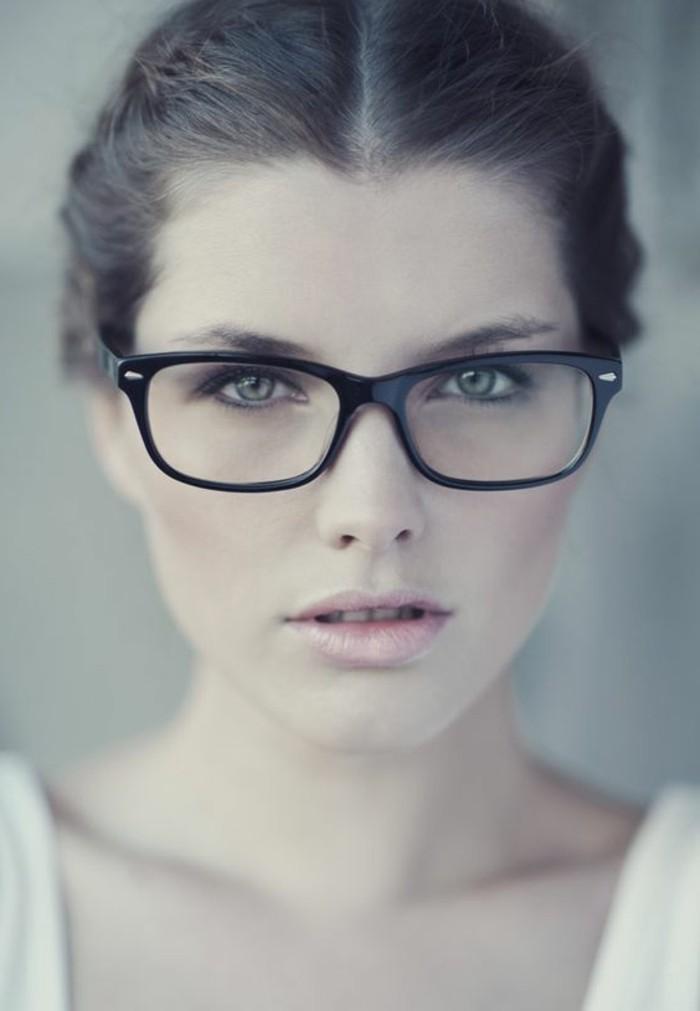 lunettes-de-vue-optique-lunettes-pas-chères-femme-levres-roses