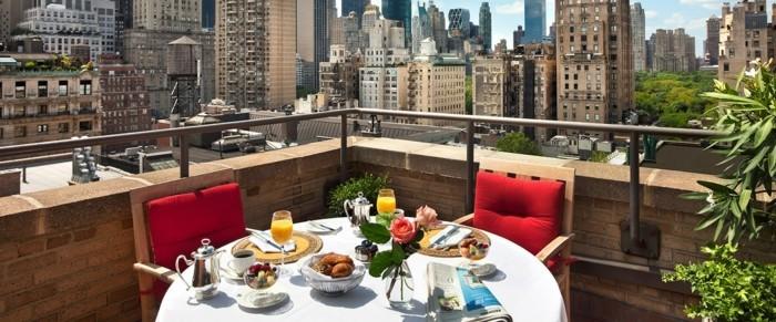 magnifique-idées-aménagement-terrasse-tapis-exterieur-balcon-bien-décorer-belle-vue