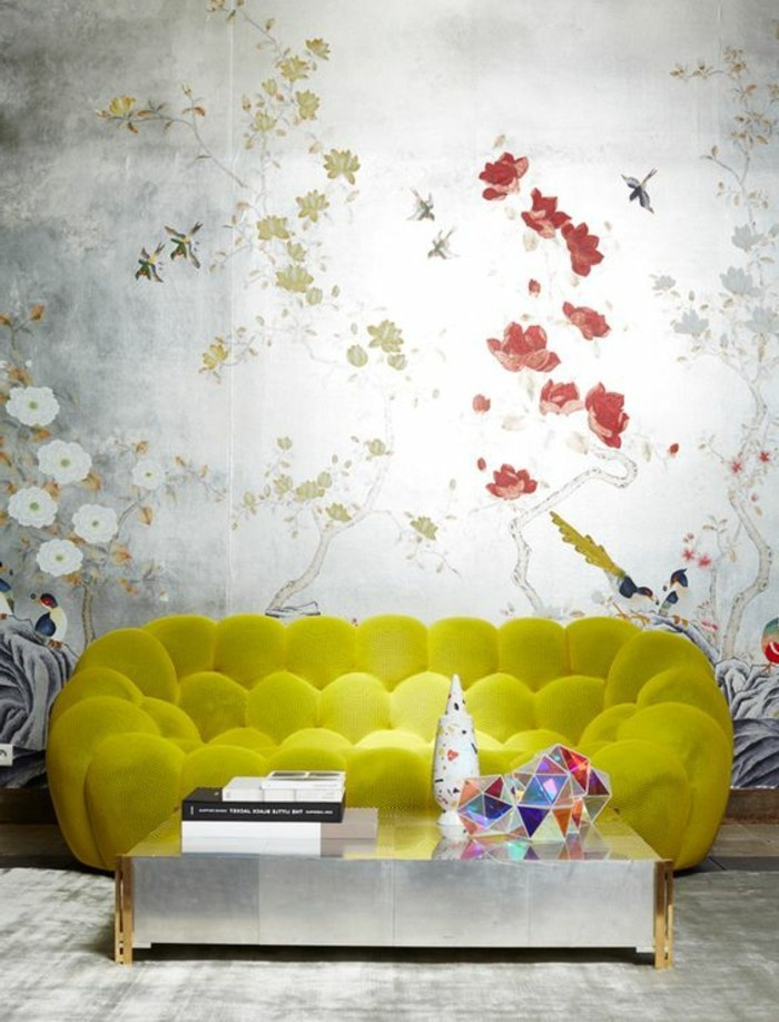 magnifique-salon-canape-jaune-les-tendances-dans-l-interieur-table-de-salon-bas-assortir-les-couleurs-d-intérieur
