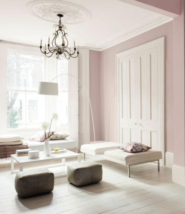 magnifique-salon-de-style-baroque-lustre-en-fer-forgé-sol-en-planchers-blancs