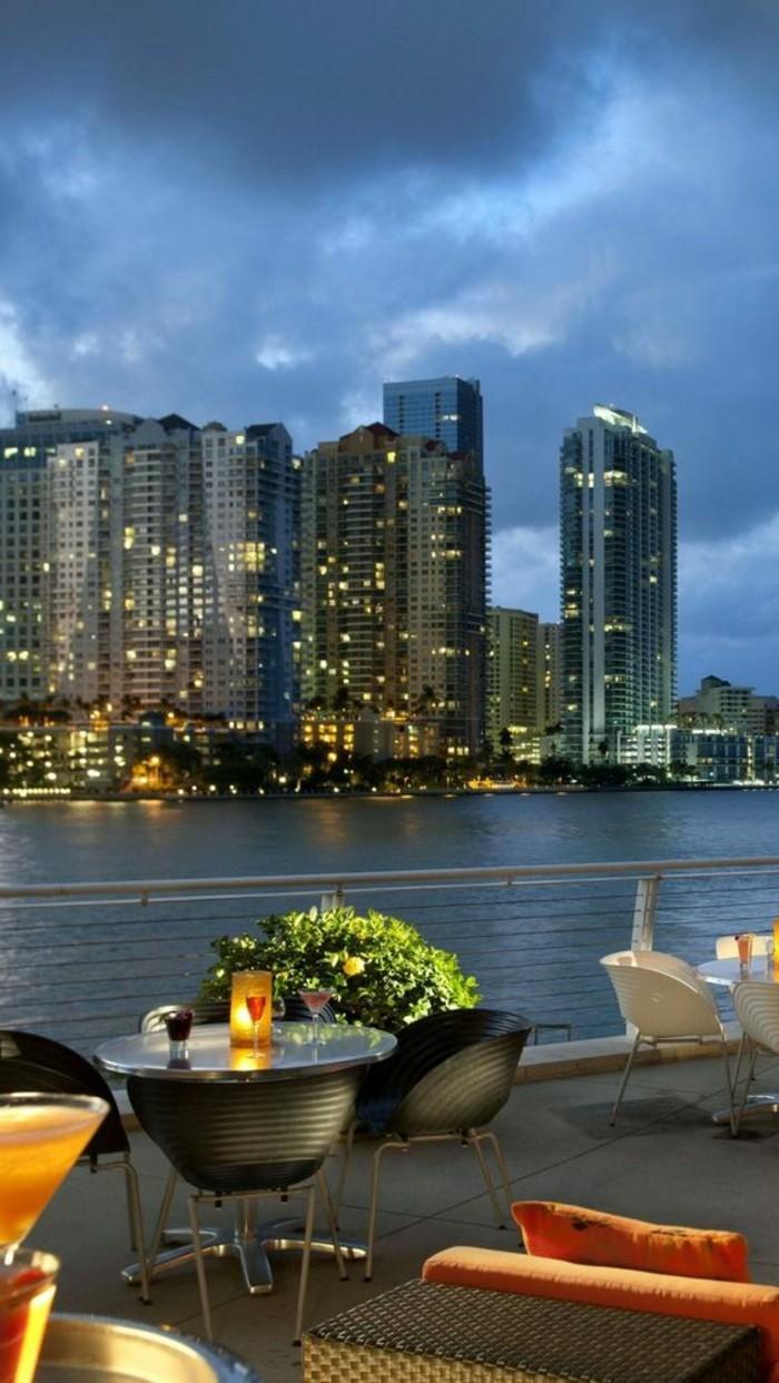 magnifique-vue-depuis-votre-maisons-au-bord-d-ocean-a-miami