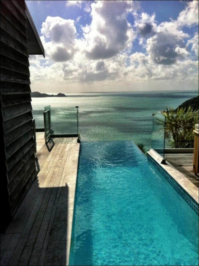 maison-de-luxe-a-miami-villa-miami-a-vendre-piscine-d-exterieur-au-bord-d-ocean-bleu