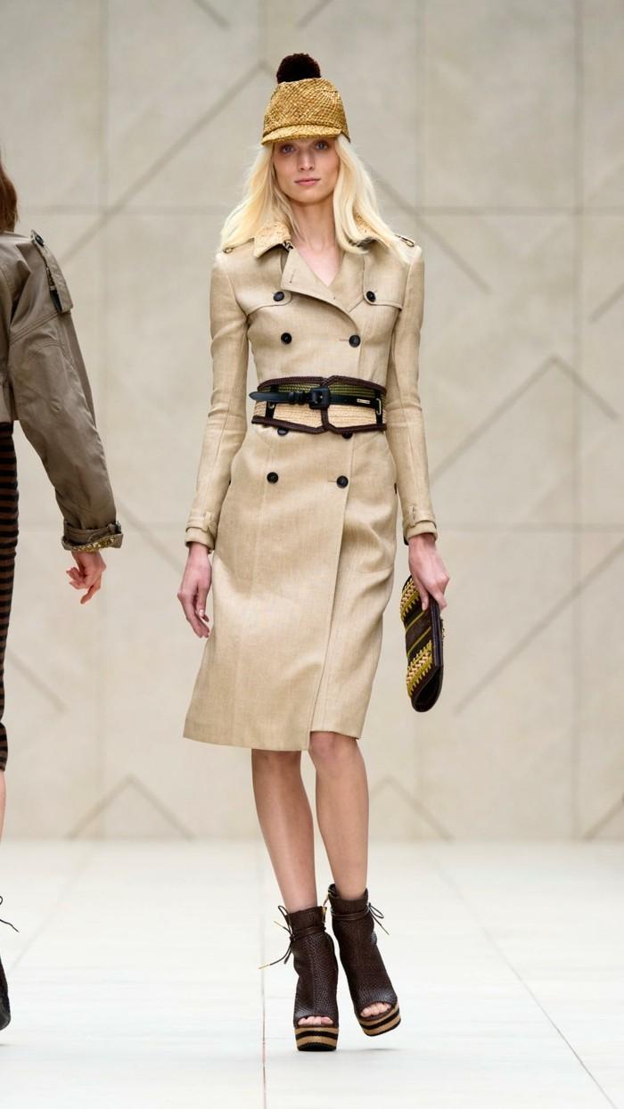 le manteau burberry du style pour lui et pour elle. Black Bedroom Furniture Sets. Home Design Ideas