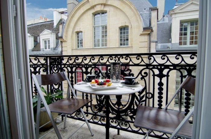 merveilleuse-decorer-un-balcon-aménagement-de-balcon-cool-idées-aménager