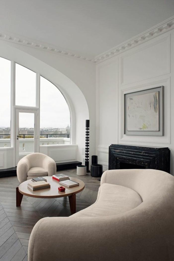 meubles-de-salon-beiges-sol-en-parquet-foncé-murs-blancs-fauteuil-conforama