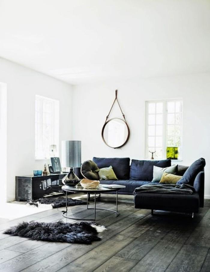 meubles-de-salon-sol-en-planchers-en-bois-canape-gris-dans-le-salon-moderne