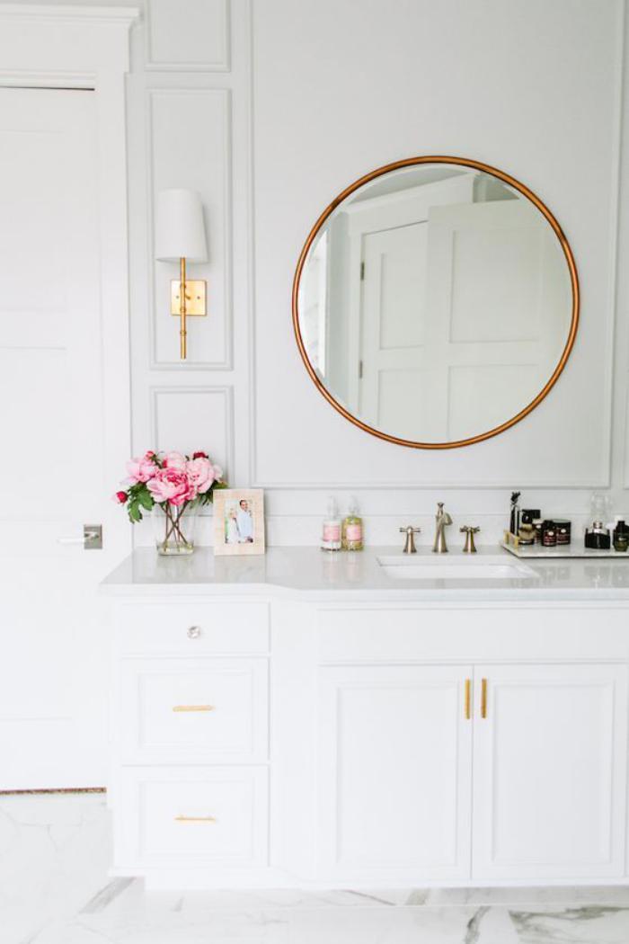 miroir-doré-ambiance-blanche