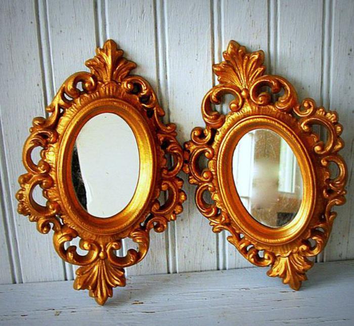 miroir-doré-deux-miroirs-ornementés-cadres-en-couleur-d'or