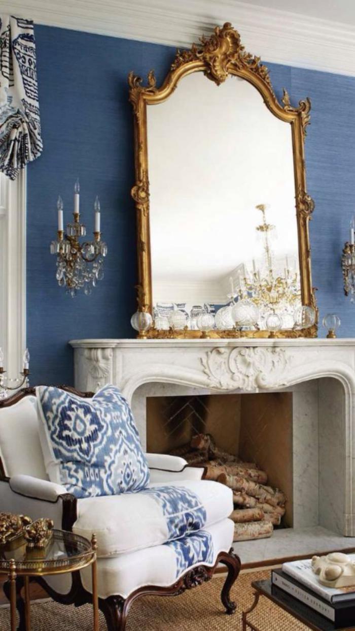 miroir-doré-miroir-baroque-doré-sur-la-cheminée