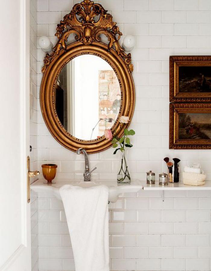 miroir-doré-miroir-oval-design-ancien-de-salle-de-bain