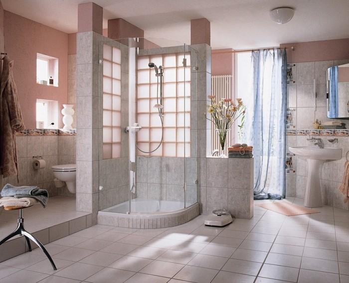 moderne-salle-de-bains-pavé-de-verre-deco-mur-modernit-resized