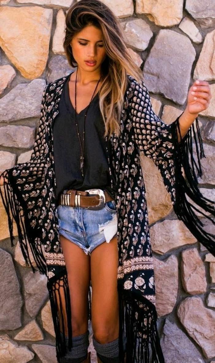 moderne-visia-vetements-hippe-chic-boheme-cool-tenue-kimono-mur-pierres