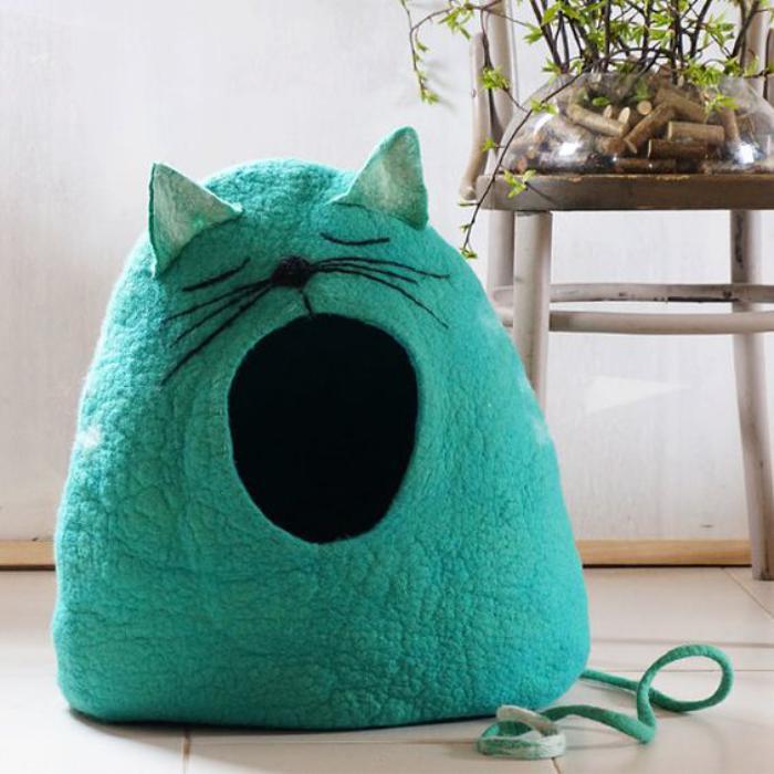 niche-pour-chat-cabane-de-chat-en-feutre-verte
