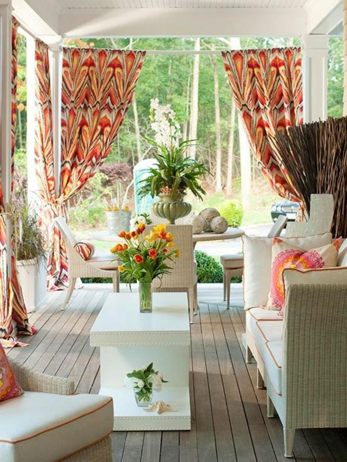 nos-idees-pour-idee-deco-balcon-amenagement-balcon-sol-en-plancher-pour-le-balcon