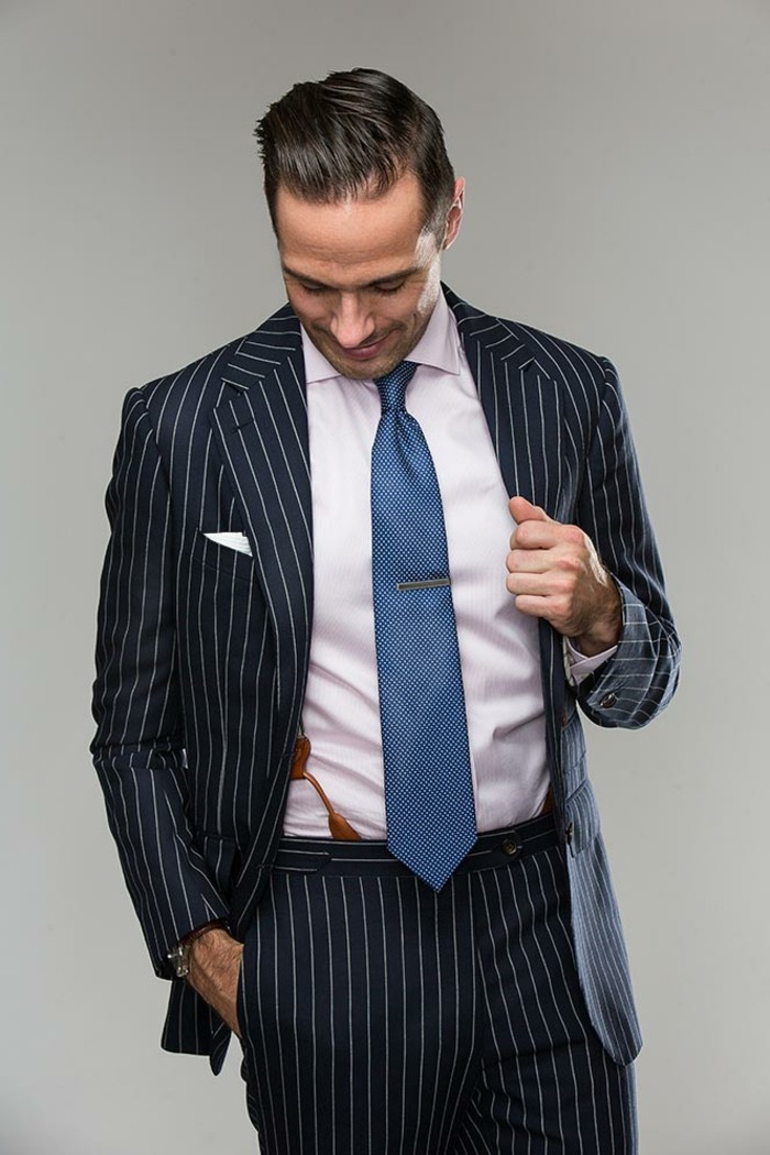 nouer-un-cravate-noeud-cravate-windsor-cravate-verte-cravate-corail