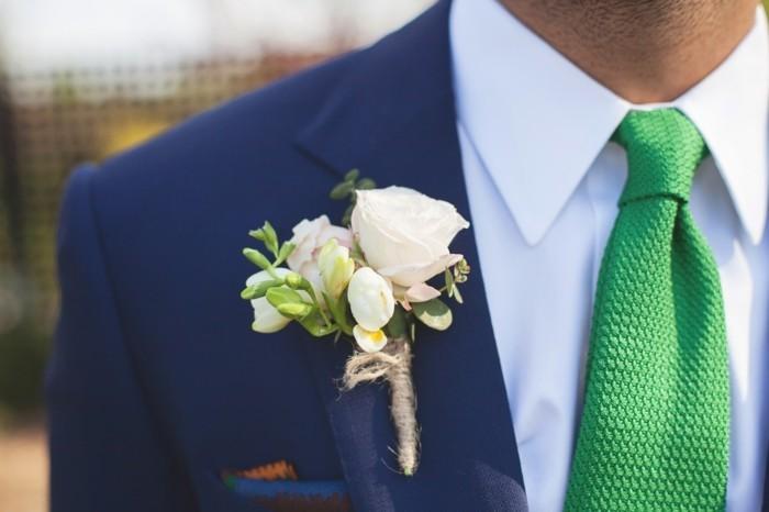 nouer-une-cravate-noeud-cravate-windsor-comment-faire-une-cravate