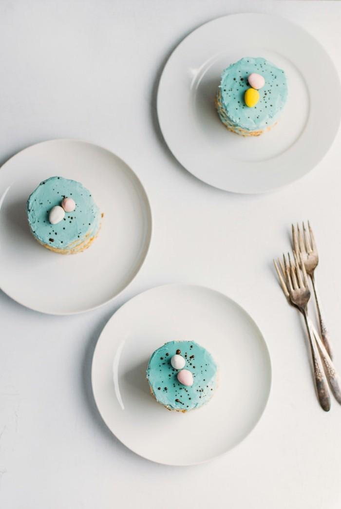 oeuf-de-pâques-cloches-de-pâques-décoration-de-table-pour-paques-gateau