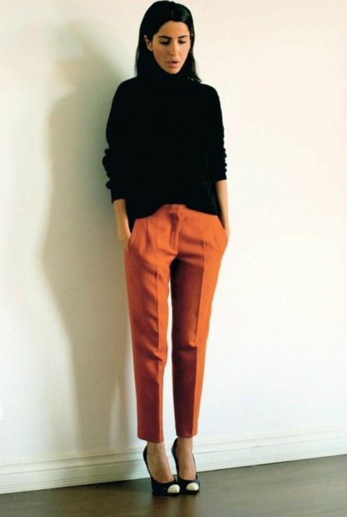 comment porter le pantalon carotte nos conseils en photos. Black Bedroom Furniture Sets. Home Design Ideas