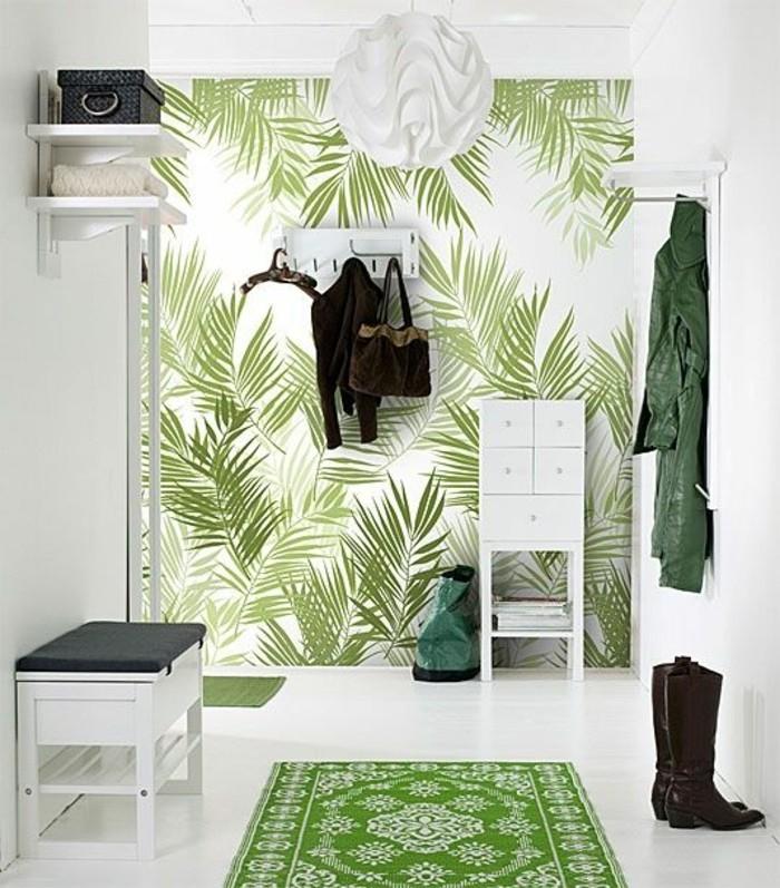 papier-peint-chantemur-deco-idee-couloir-papiers-peints-blancs-verts