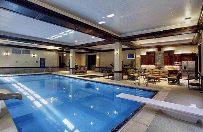 La piscine int rieure un luxe un r ve une installation for Hotel nice piscine interieure