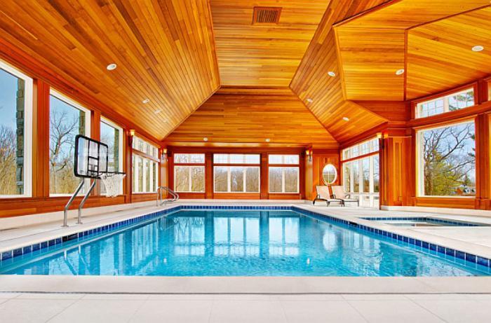 piscine-intérieure-chalet-contemporain