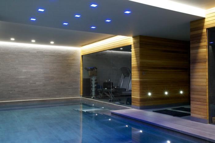 piscine-intérieure-complexe-avec-piscine