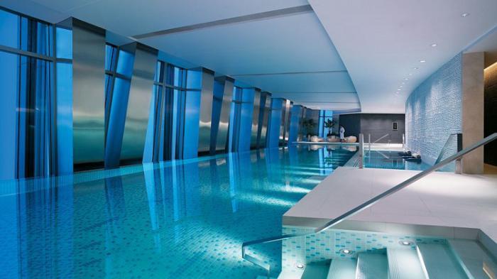 piscine-intérieure-piscines-d'hôtels