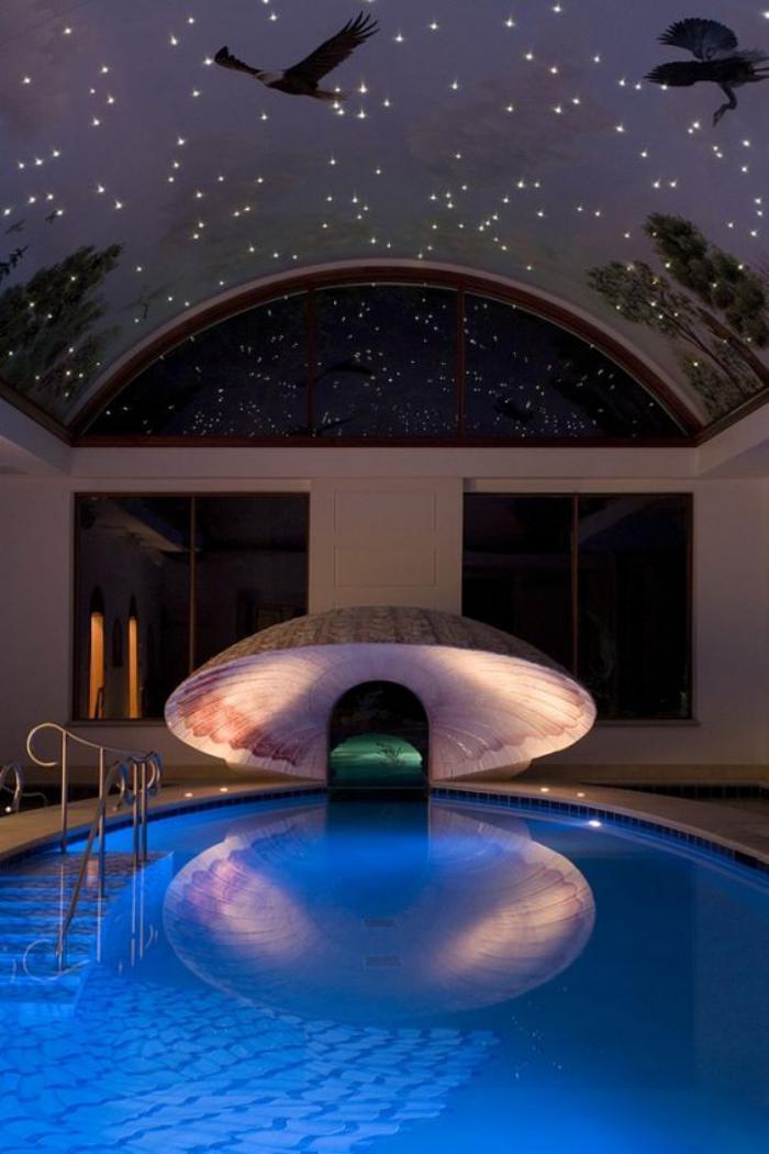 piscine-intérieure-plafond-original