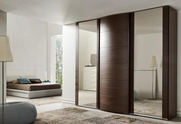 Le placard sur mesure la solution pour optimiser l 39 espace for Placard de chambre en bois